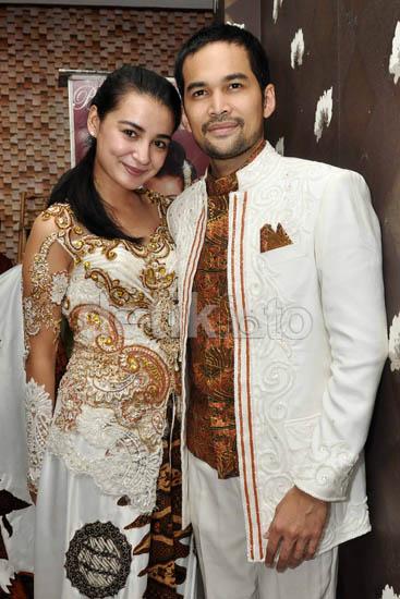 Cantiknya Shireen Sungkar dengan baju pengantin
