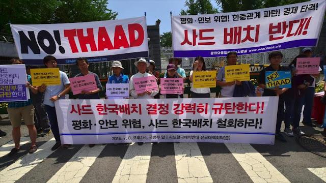 Activistas antiguerra protestan en Seúl contra escudo antimisiles de EEUU