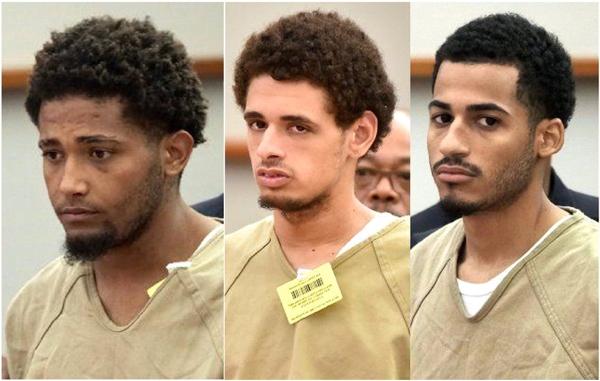Antonio Hernández Santiago, José Muñiz y Danel Fernández, los tres pandilleros de Los Trinitarios en la cárcel de Rikers Island en Queens.