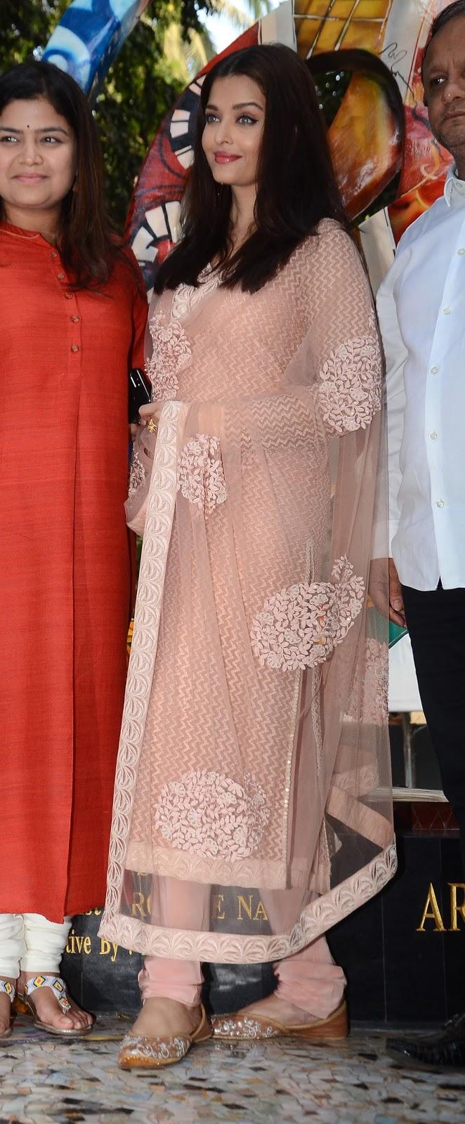 Aishwarya Rai In An Indian Look