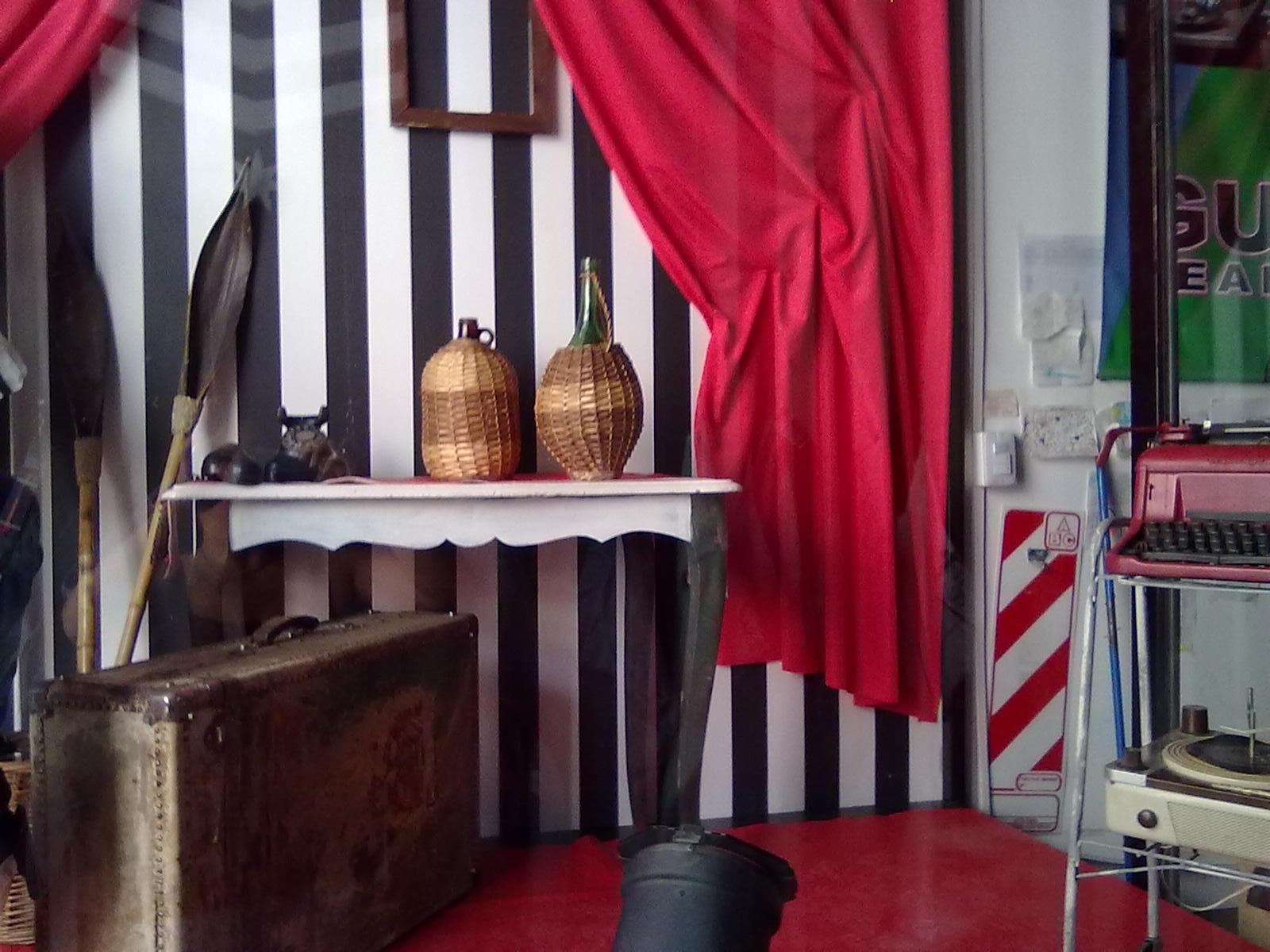 Decoracion y dise o decoracion de vidriera de local de ropa for Decoracion de interiores locales de ropa