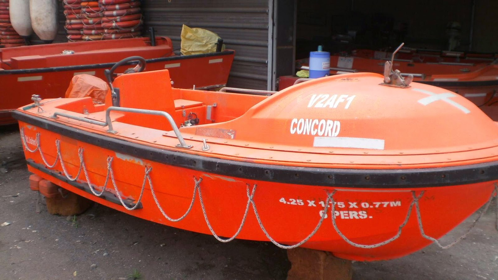 Used boats with outboard engines 15hp 25 hp and 40 hp for for Used fishing kayaks for sale