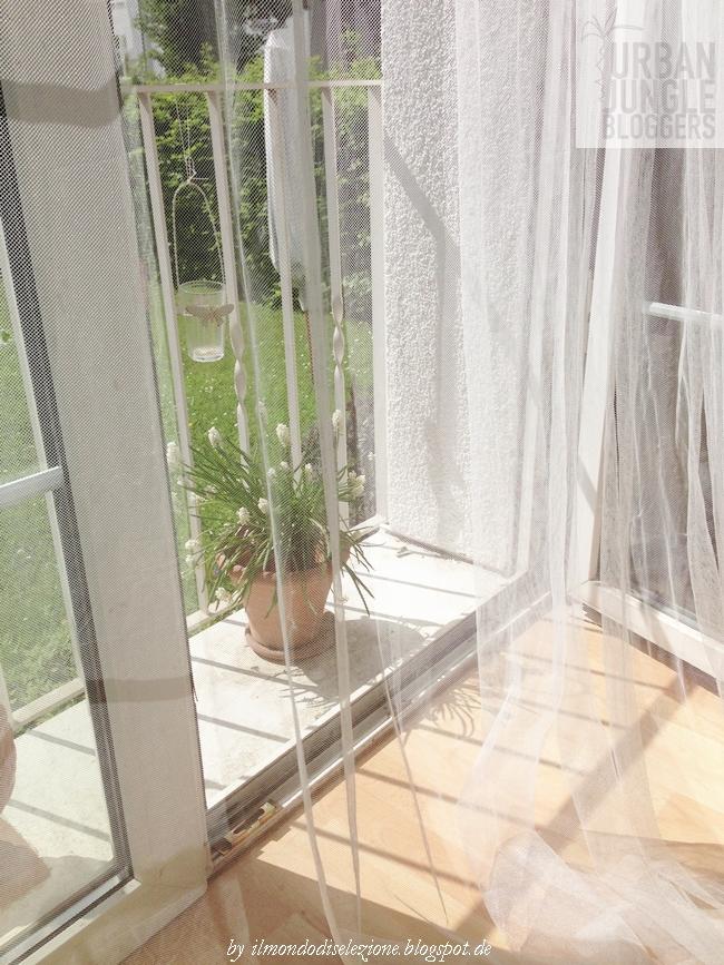 Die Fensterbänke In Des Liebsten Häuschen Habe Ich Natürlich Schon Länger  Von Den Vorher Dort Lagernden Papieren Und Schachteln Befreit Und Mit  Schöner Deko ...