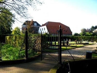 Boerderij Het Klooster te Zennewijnen, op deze plaats heeft het nonnenklooster Mariënschoot gestaan