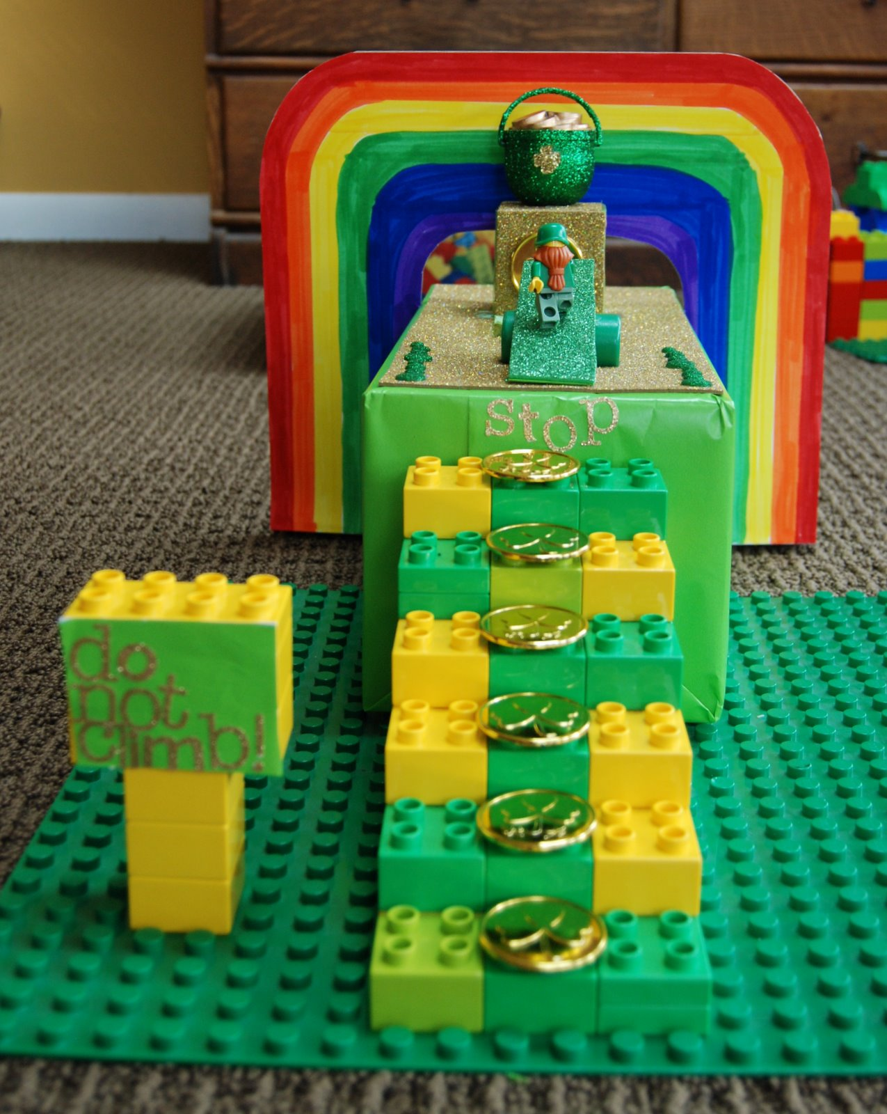 How To Catch A Leprechaun: Check out this LEGO Leprechaun trap from A Blonde and 3 Boys!