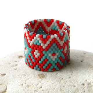 Широкое кольцо из бисера (с орнаментом) купить в интернет-магазине