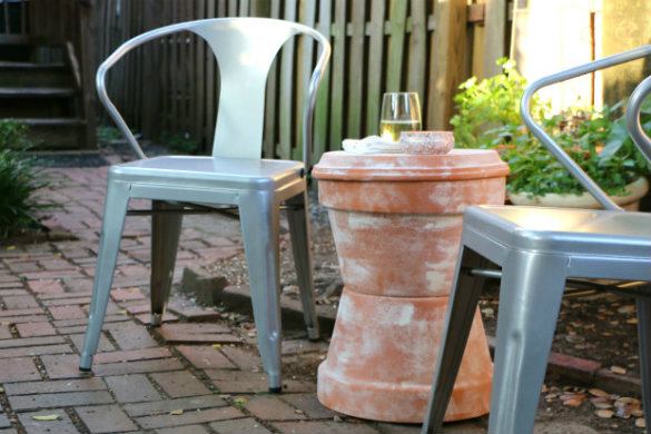 over on ehow diy outdoor terra cotta storage table 17 apart