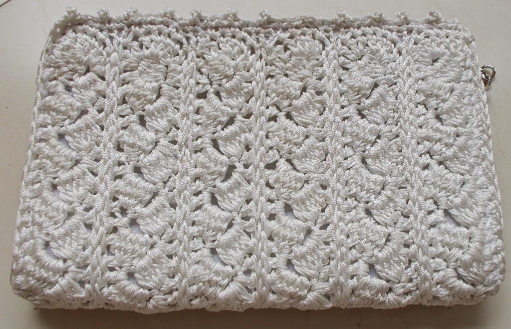 free crochet pattern, free crochet purse pattern, free crochet clutch purse pattern, free crochet bag pattern, Purse yarn, Anchor knitting cotton, Red rose knitting cotton, crochet motif pattern,