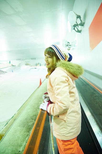 Hisamatsu Ikumi 久松郁実 SNOW ROMANCE Images 12