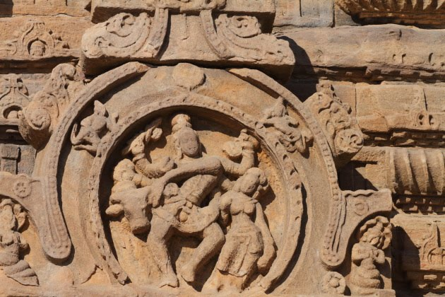Closeup of a smallish carving on Pattadakkal temple walls