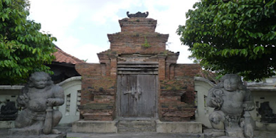 Review 19-4-2010 December | Bali | East Timor