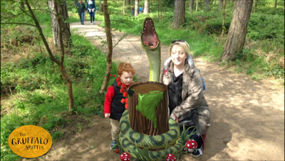 Screenshot showing Mummy, son and Snake from the Gruffalo
