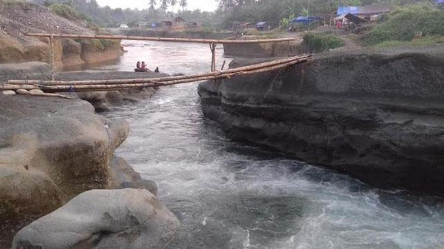 Sensasi arung jeram di sungai batupapan