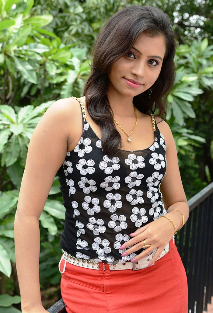 Sri Lankan Actress Models And Sexy Girls - in.pinterest.com