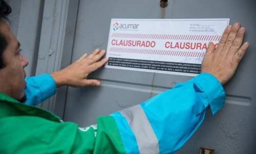 2187e5f15 Clausuraron una curtiembre de Lanús por volcar efluentes contaminantes al  Riachuelo