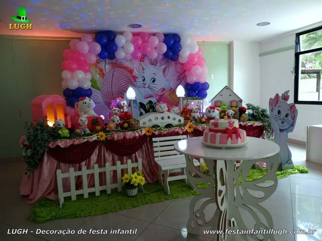 Decoração de festa infantil tema da Gata Marie para aniversário feminino