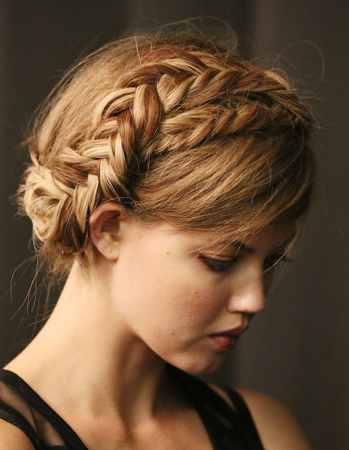 tutorial acconciatura milkmaid braid acconciatura milkmaid braid come realizzare la milkmaid braid treccia milkmaid braid how to realize milkmaid braid tendenze acconciature primavera estate 2017 beauty tips beauty blog