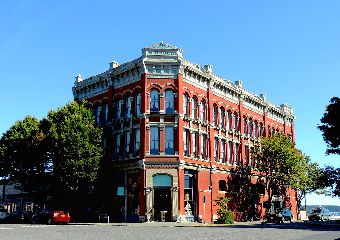 Waterstreet Hotel in Port Townsend. Call 800.735.9810