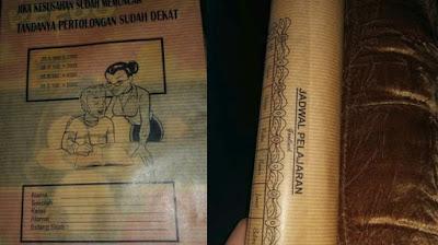 Hati-hati Telah Beredar Sampul Buku Bergambar Guru Seksi, Tuh Muridnya Ngeliatin Apa Coba?