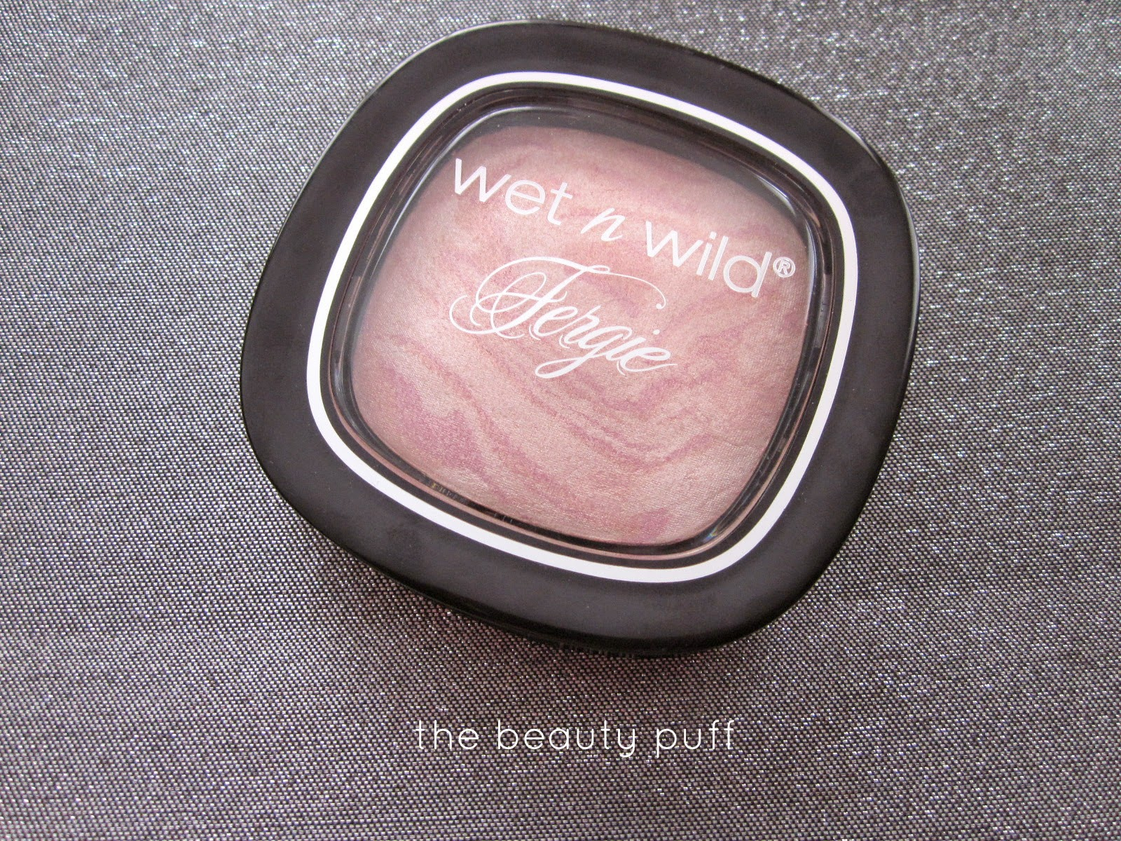 wet n wild rose champagne glow - the beauty puff