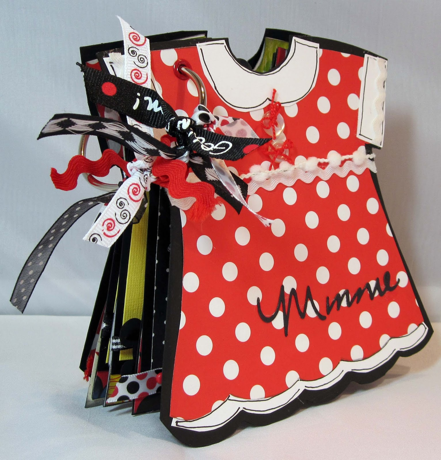 Kitsnbits Minnie Mouse Album With Helmar Adhesives