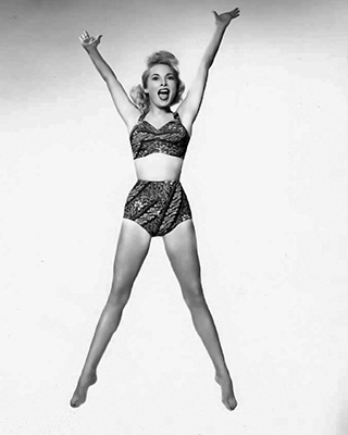 http://pics.wikifeet.com/Janet-Leigh-Feet-1442529.jpg