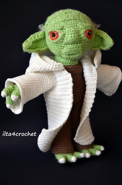 Mistrz Yoda ze Star Wars zrobiony szydełkiem