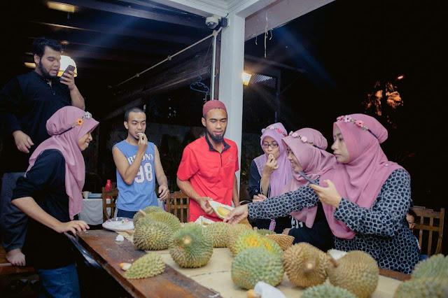 makan durian, durian, afb fun day, taj villa ampang,
