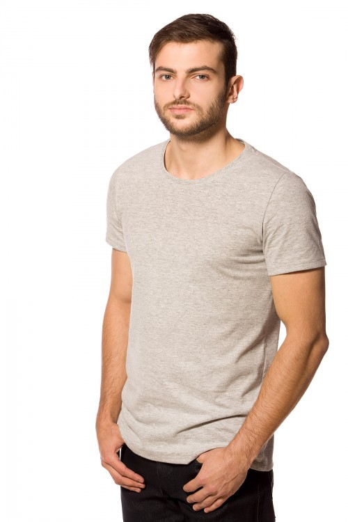 09faa18111550 Camiseta Básica Masculina Gola O Cinza