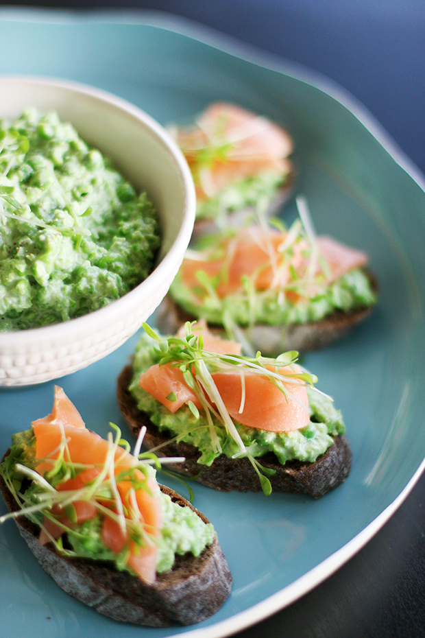 Salmon, pea and mint tartines