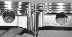 Altezza di compressione diversa tra due pistoni per lo stesso motore