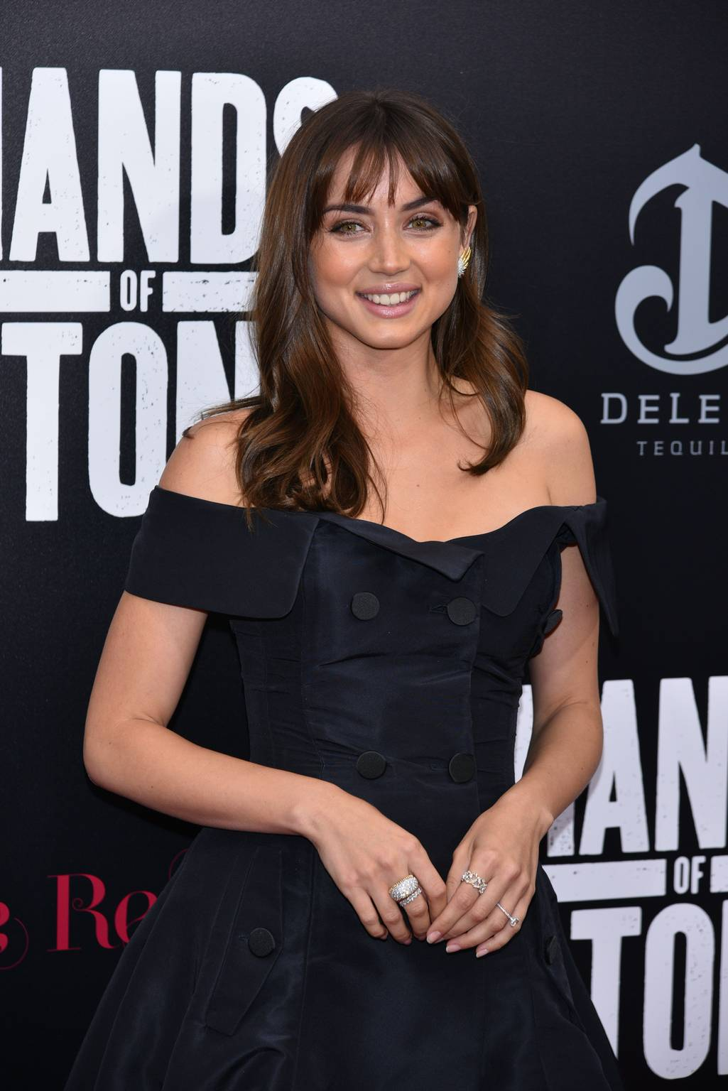 Hot & Sexy Ana de Armas in Black dress – Hands of Stone Film Premiere in New York