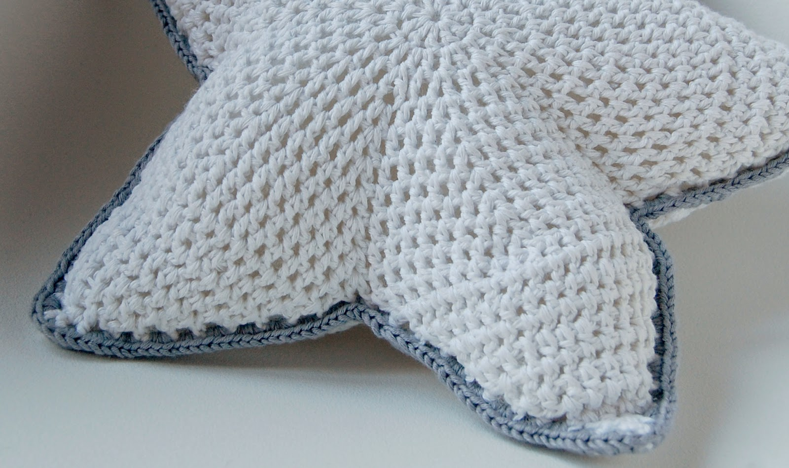Ladymaryan mil gracias patr n coj n estrella - Cojin de crochet ...