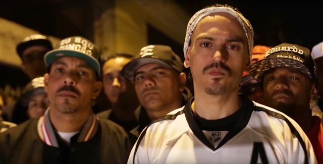 """Confira a capa do livro """"A Guerra Não Declarada Na Visão de Um Favelado"""" Vol.2, escrito pelo rapper Eduardo"""