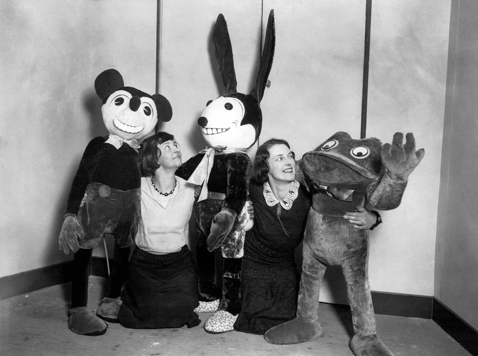 Mickey, Oswald, and a Frog. 1931.