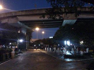 バンコクの夜の公園