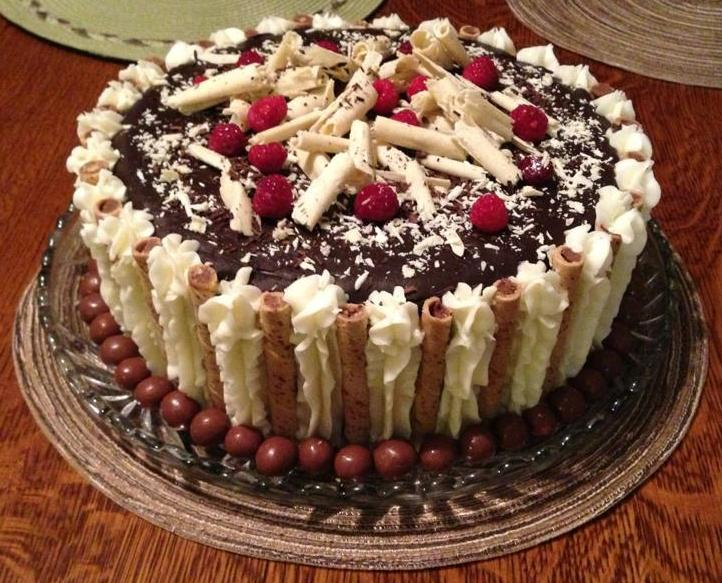 The Simple Cake Yummy Homemade Devil S Food Cake