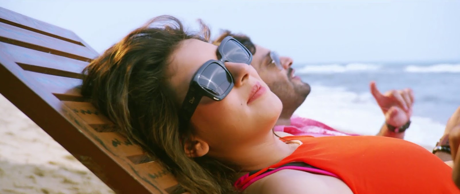 Listen To My Heart – Uyire Uyire _ Official Video _ Anup Rubens _ Hansika, Siddhu
