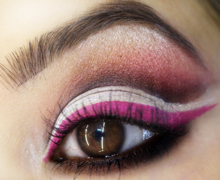 Simple Cut Crease Eye Makeup Tutorial With Step By Step Pictures