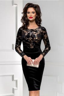 rochie midi neagra din catifea  cu insertii aurii pe bust  cu maneca lunga