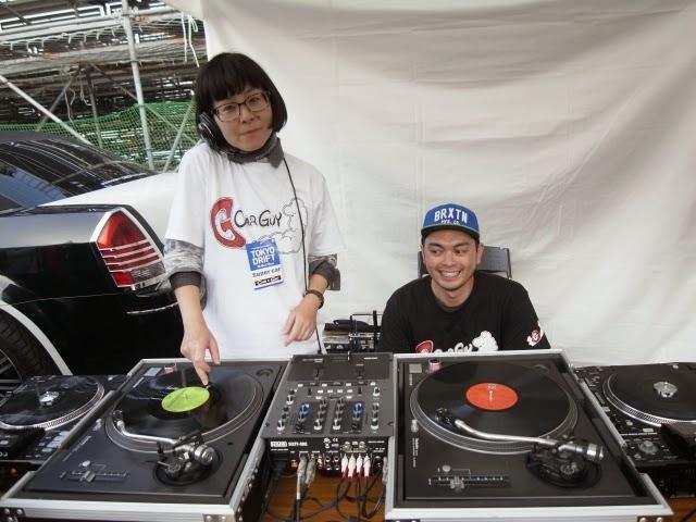 DJ-YUKIEのプレイ模様です。