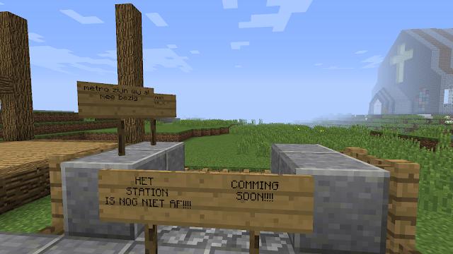 Borden met 'coming soon'  in het videospel Minecraft