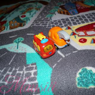 Autos auf Teppich