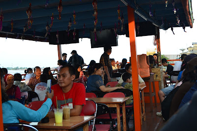 Wisatawan dari seluruh Indonesia dan dunia menyusuri sungai Kapuas