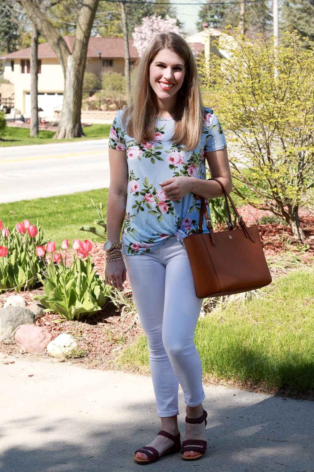 spring fashion, fashion, casual style, Blue floral knotted tee, white jeans, burgundy leather sandals, Rocky 4eursole sandal review, Tory Burch tote