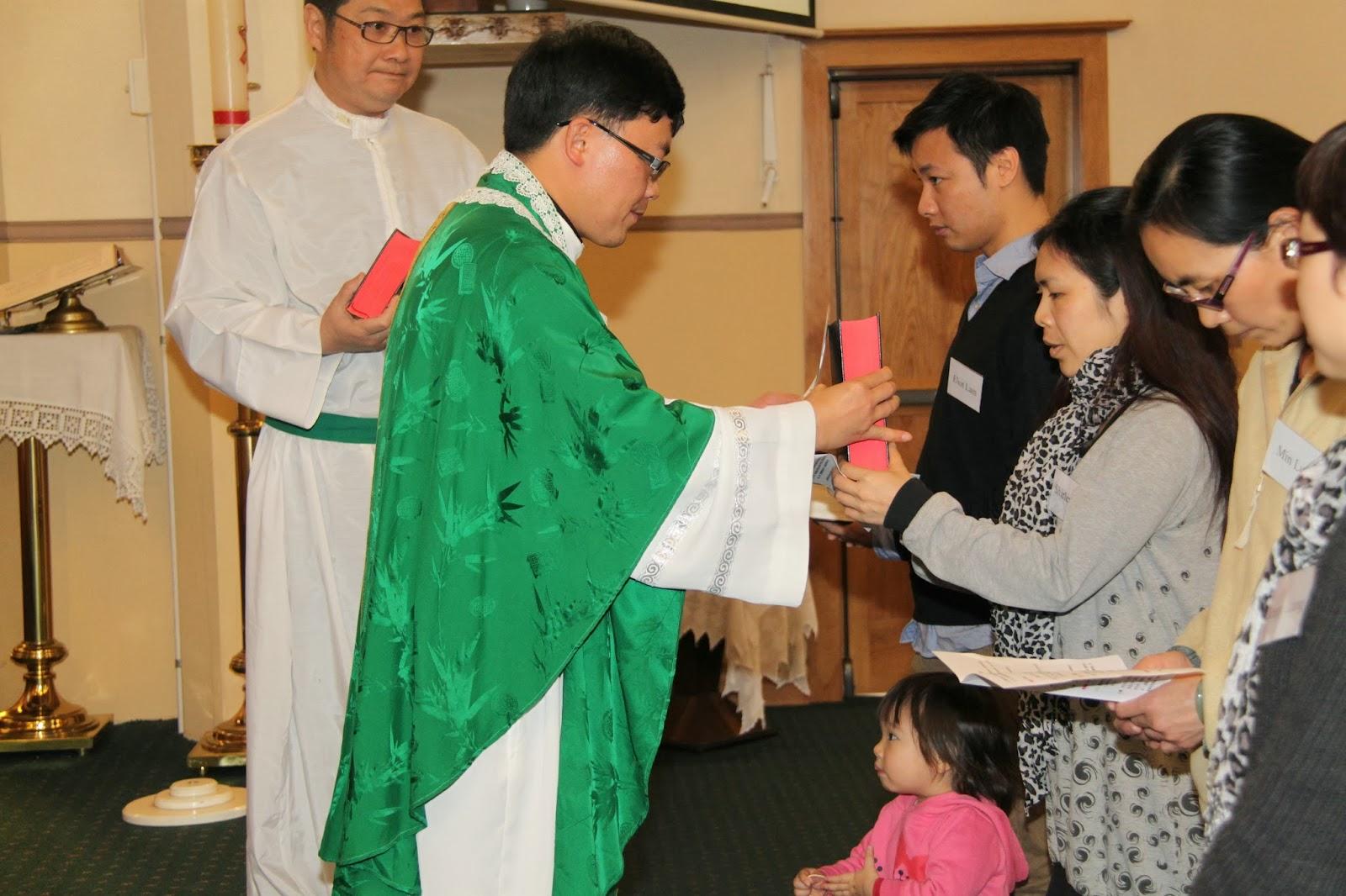聖彌額爾堂 好市圍華人教友團 St Michael's Cantonese Group: 2013 - 2014 年度成人慕道班收錄禮 (1)