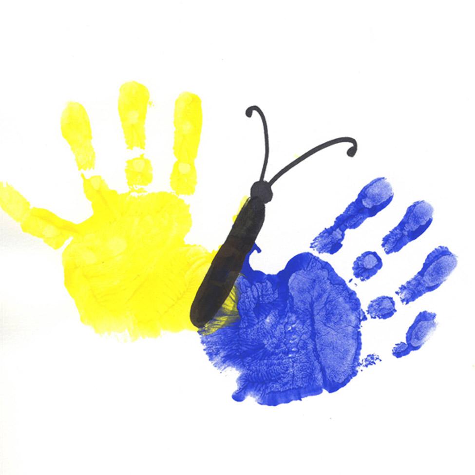 Budding Artists: Handprint Art