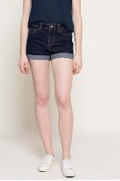 Pantaloni scurti • Noisy may
