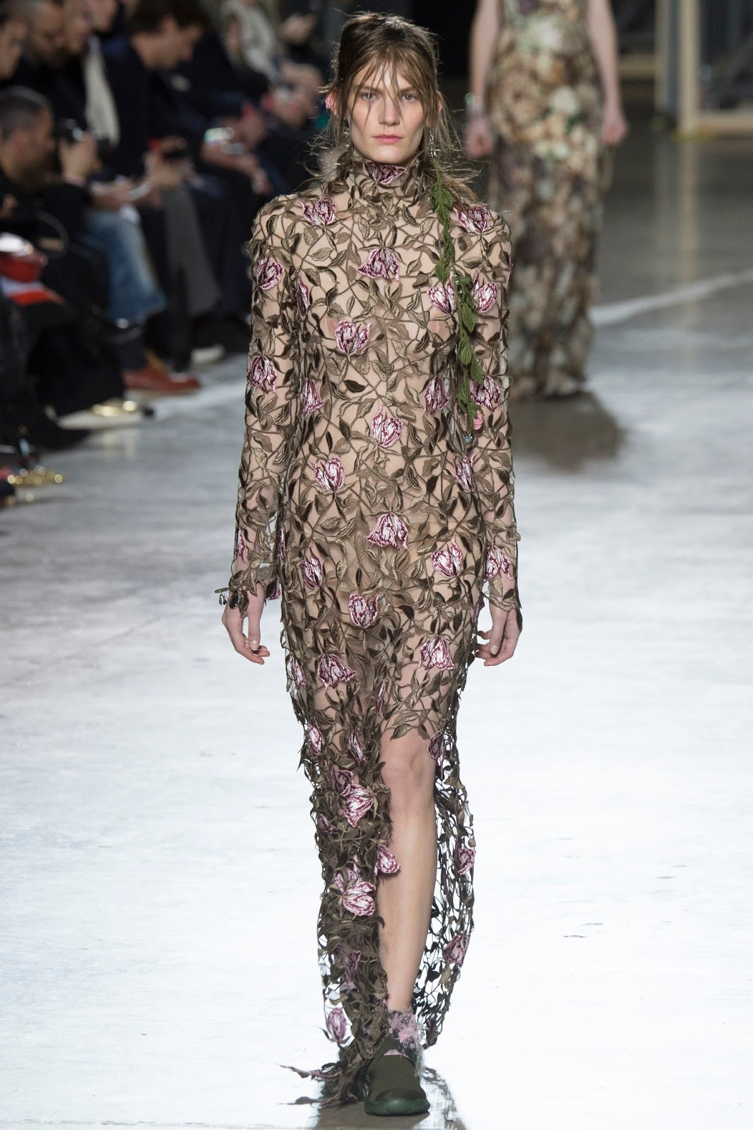 Christopher Kane Autumn/Winter 2016 via www.fashionedbylove.co.uk british fashion blog / london fashion week fall/winter 2016