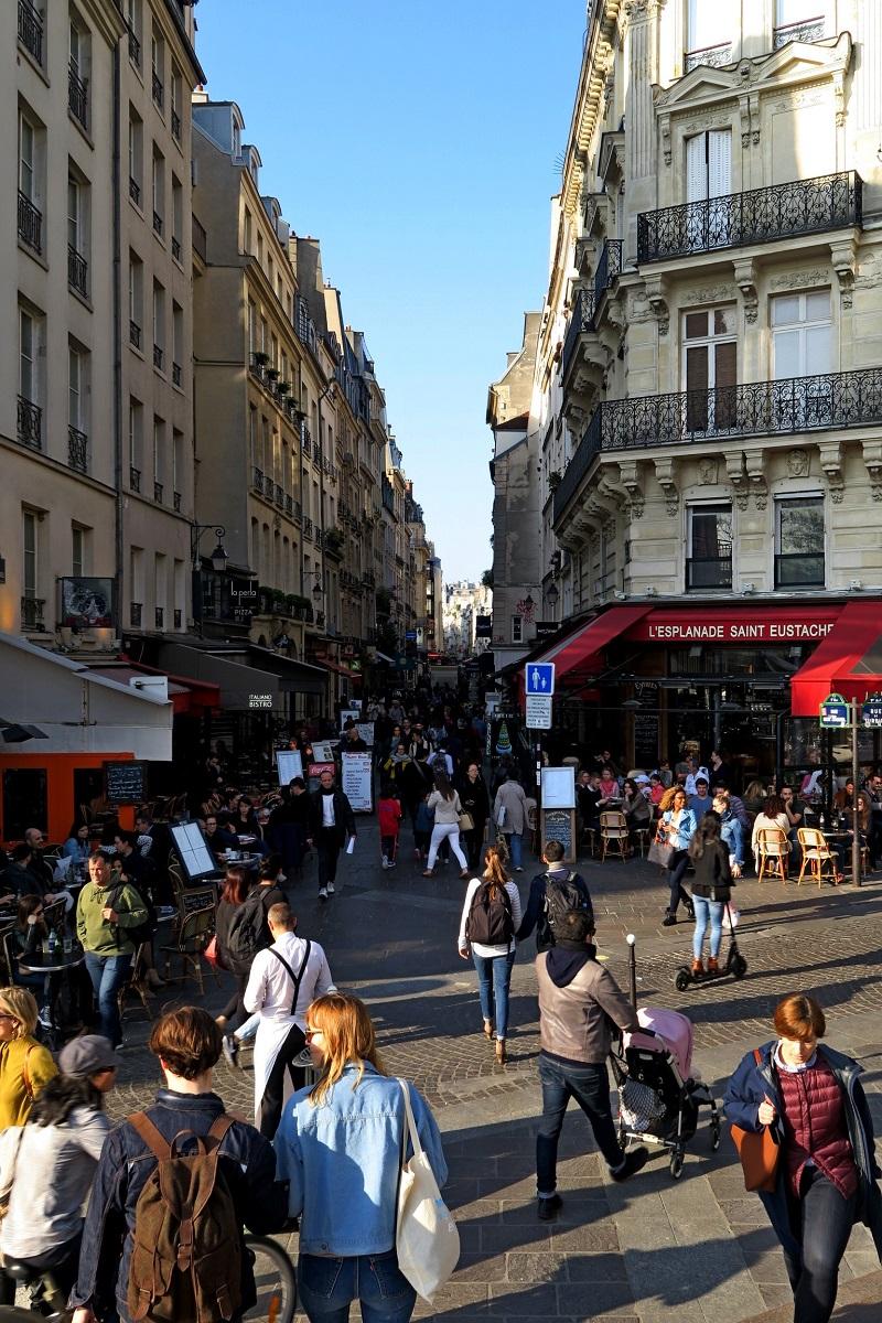 Rue, passants